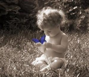¿Cuáles son los síntomas del autismo infantil?