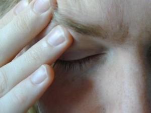 Dolor en los ojos: Causas y remedios
