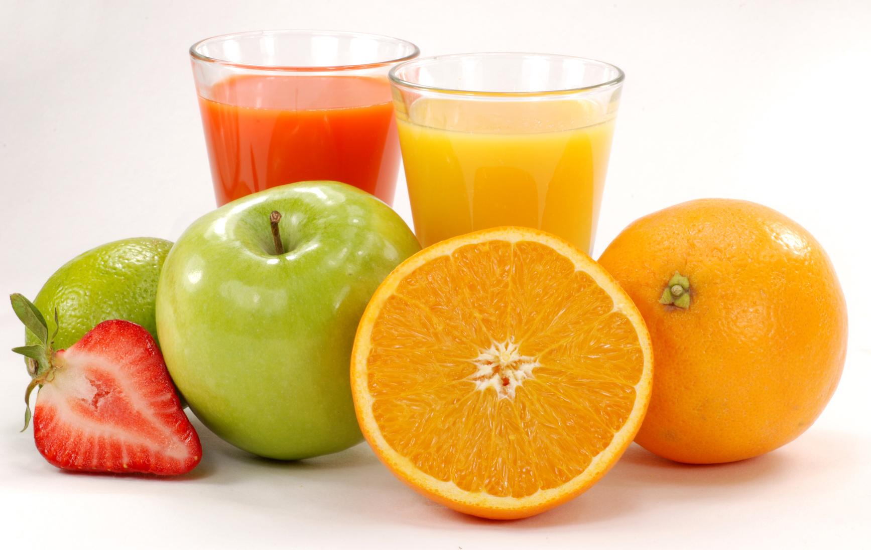 Tres zumos de frutas que mejoran tu salud