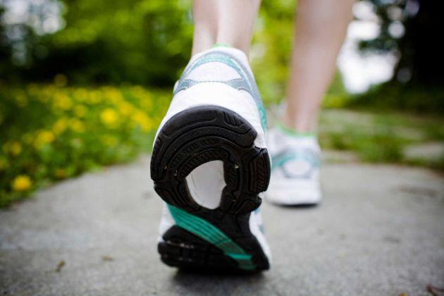 5 beneficios de caminar media hora al día