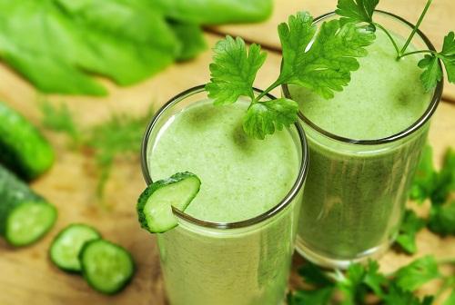 ¿Por qué deberías incluir los batidos verdes en tu dieta?