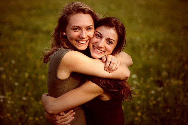 Abrazos saludables: Los beneficios de ceder ante los abrazos