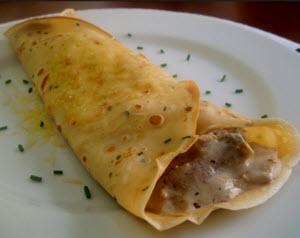 Receta de crepes de ají rellenos de pollo