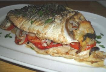 Receta de pescado relleno de verduras cocido al horno (4 personas)